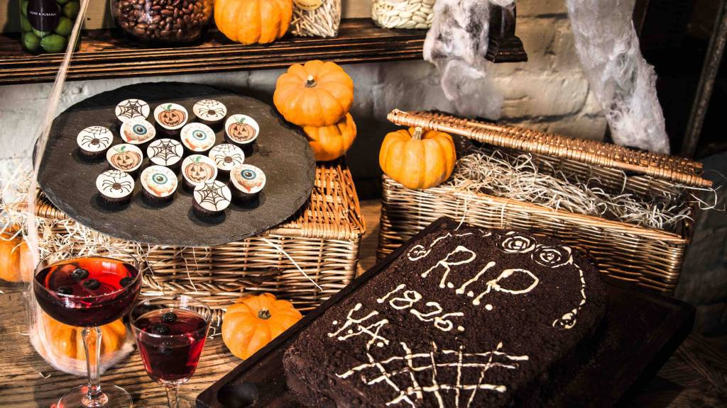 halloween marketing ideas for restaurants and pubs