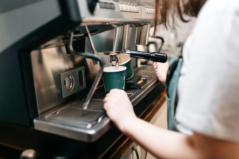 Как выбрать кофемашину для кофейни или кафе? | Блог Poster
