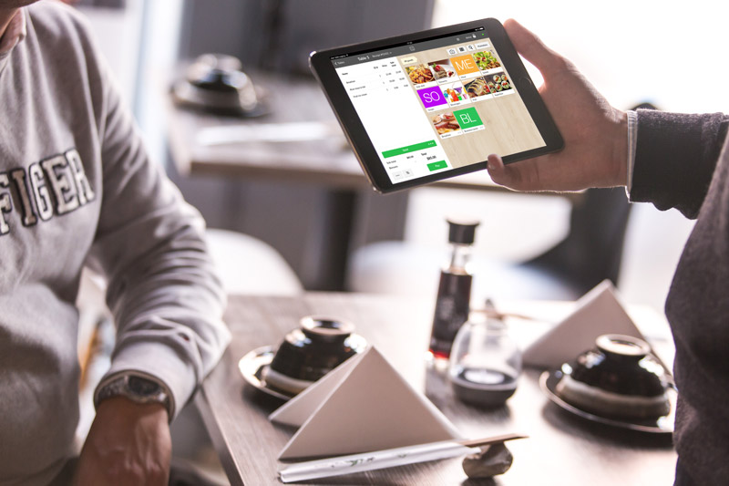 tech improves customer satisfaction in restaurants